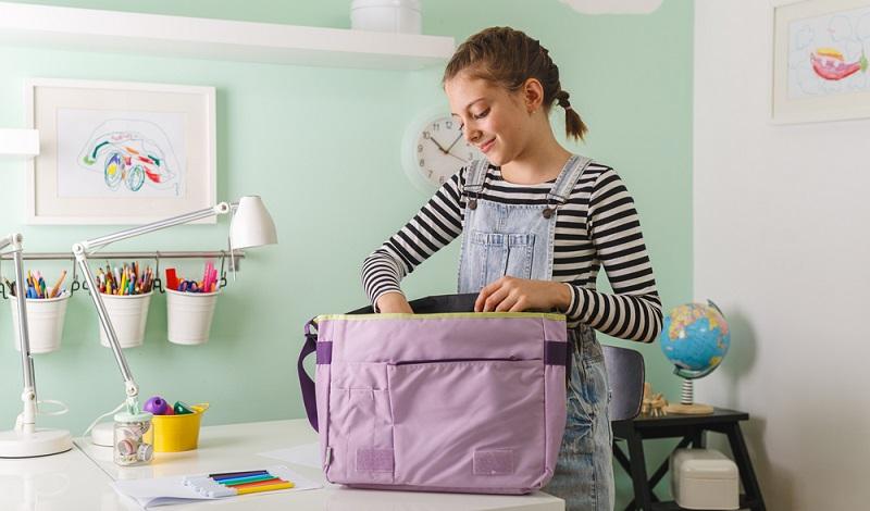 Heißt es endlich: Koffer packen!, ist Stiftung Warentest leider keine Hilfe.  ( Foto: Shutterstock-Dejan Dundjerski )